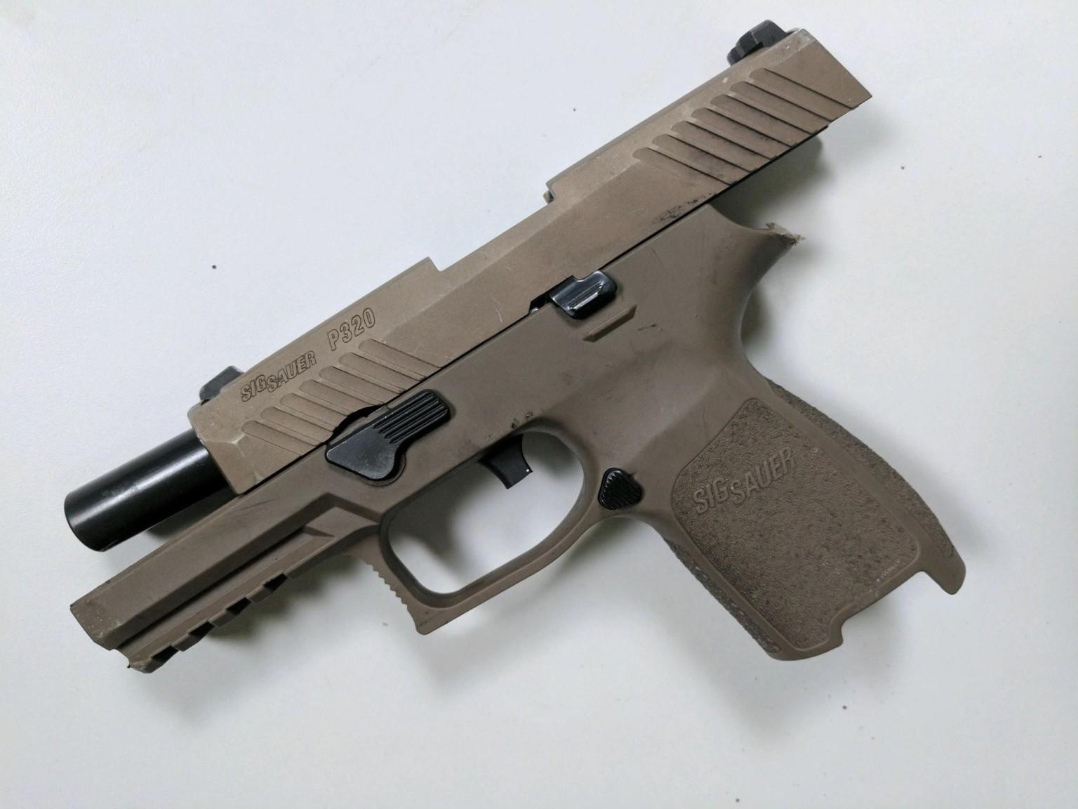 Sig Sauer P320 FDE 45 ACP